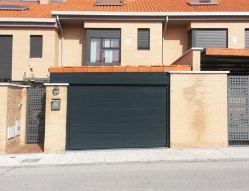 Puerta seccional automática en arroyomolinos Madrid
